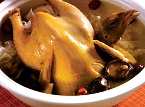 chicken stew with tam that (gingseng)