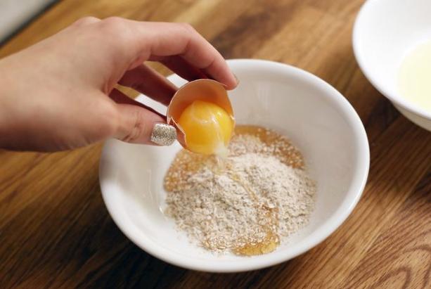 Ăn tam thất hấp trứng gà có tác dụng gì?